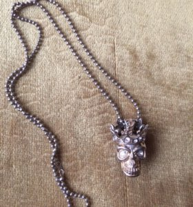 Кулон королевский череп