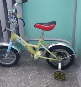 3х колесный велосипед 4 - 5 лет
