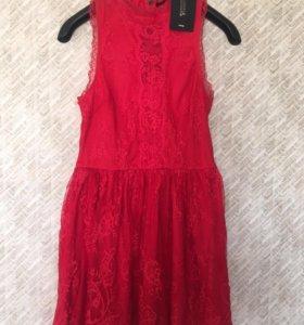 Коралловое лёгкое платье