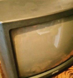 Телевизор вместе с антенной