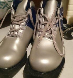 Ботинки для беговых лыж 31 размера
