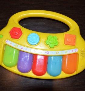 Музыкальная игрушка пианино