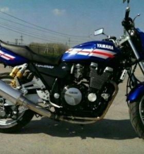 Yamaha XJR1200-1999г.