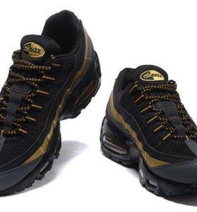 Nike Air Max 95 чёрные с золотым (35-45)