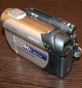 Видеокамеру Sony Handycam DCR-DVD109E