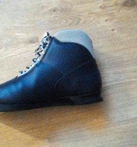 Лыжные ботинки размер 40-41.1400 руб.Произв.Чехия