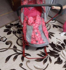 Коляска детская с колесиками