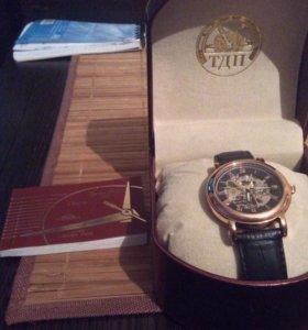 Часы механические ( русское время ) ,на гарантии