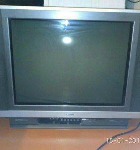 Телевизор Hitachi,61 см