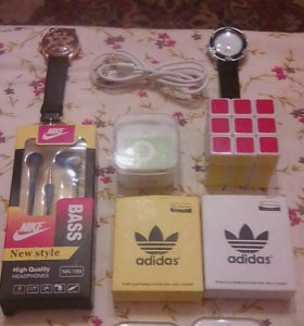 Наушники, MP3, кубик-рубик, часы, USB-кабель