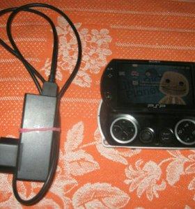 PSP Go 16GB памяти, более 40 игр