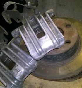 Задние тормозные суппорта и диски Ауди А6с5