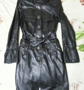 Верхняя одежда женская (пуховик, плащ, пальто)