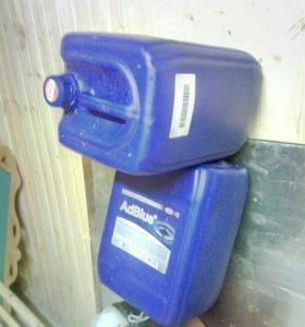 Канистры(можно использовать для воды) объемом 20л.