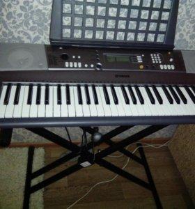 Синтезатор YAMAHA PSR- R300