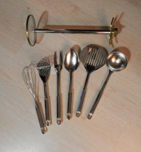 Набор кухонных приборов. 6 предметов + подставка