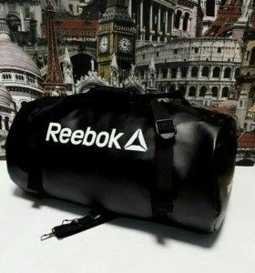 Стильная спортивная сумка reebok из экокожи
