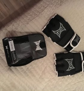 Перчатки бойцовские tapout