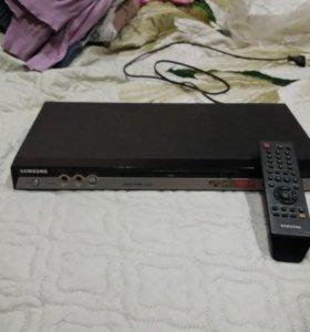 DVD плеер с караоке.