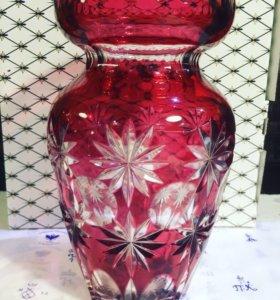 Большая цветочная малиновая ваза Германия