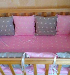 Бортики в кроватку, постельное для малышей
