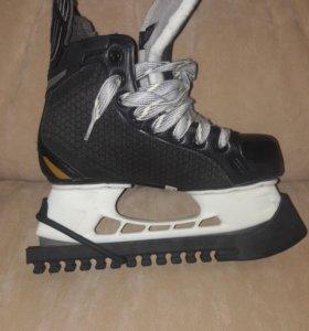 Новые хоккейные Коньки BAUER размер 35