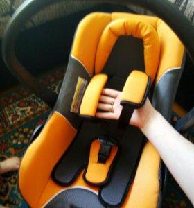 Детское авто кресло(авто люлька)