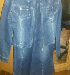 Джинсовый костюм(юбка+куртка)