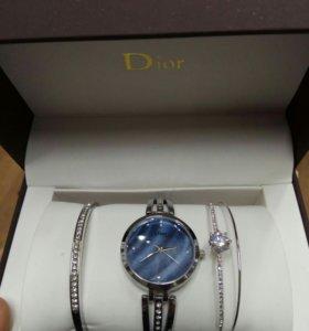 Часы с браслетами Dior