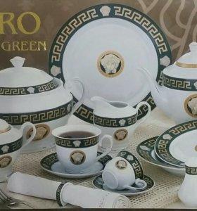 Столовый сервиз, набор посуды