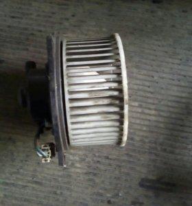 Двигатель печки на Mazda 626
