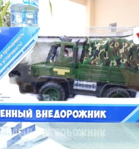 Радиоуправляемая машинка военный внедорожник