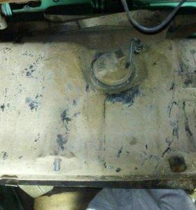 Топливный бак с насосом ВАЗ 2110