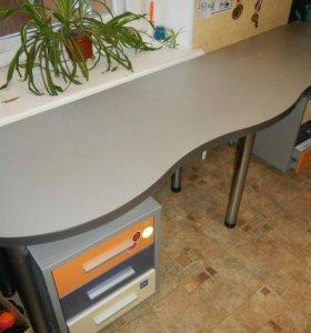 Продам стол для учебы