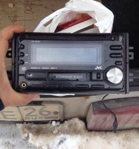 Магнитофон JVС 2 дин в отличном состоянии