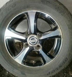колёса на Альмеру