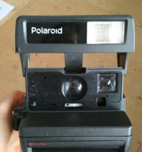 Фотоаппарат полароид.