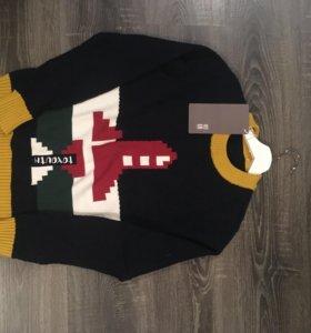 Классный свитер тёплый