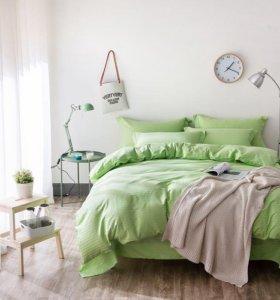 Комплект постельного белья однотонный.