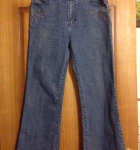 Много джинс 48-50 размер