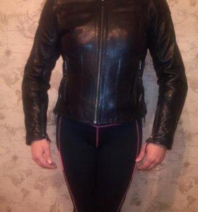 Женская кожаная мотокуртка
