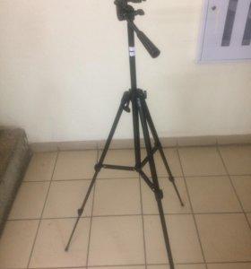 Штатив для фото техники