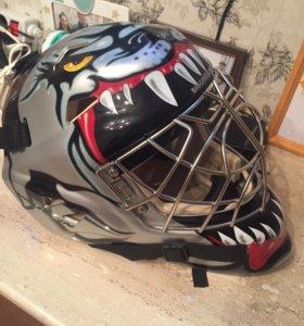 Новый хоккейный вратарский шлем