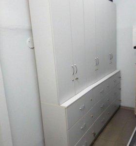Шкафы и стол