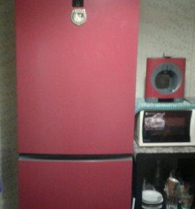 Холодильник -морозильник Haier