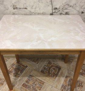 Стол обеденный б/у с ящиком для столовых приборов