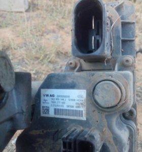 Мотор рулевой рейки на vw passat b6