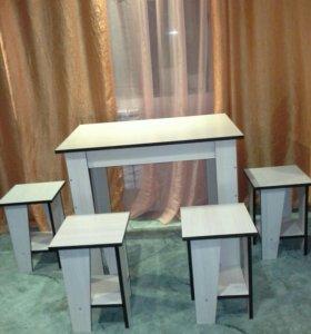 Столы кухонные и табуреты.