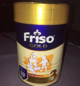 Сухой молочный напиток Friso gold 3