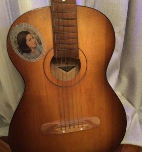 Винтажная гитара